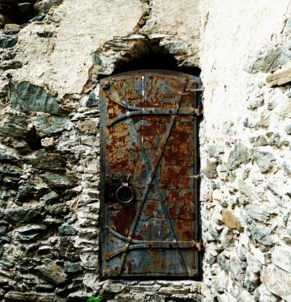 Burgruine Hardegg – Ruins of an enchanted Romanesque castle