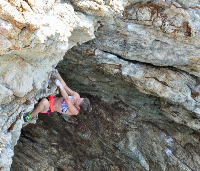 Deep water soloing in Costa Brava – rocks and turquoise water