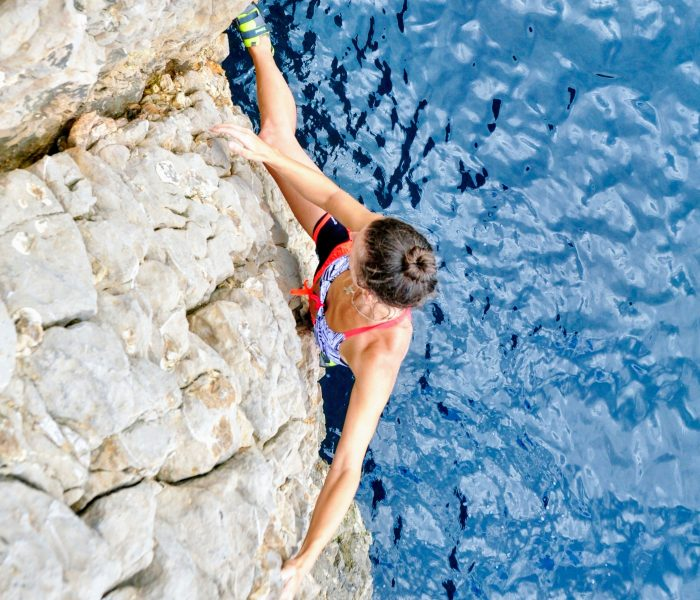 Deep water soloing in Costa Brava – Psicobloc L'Escala